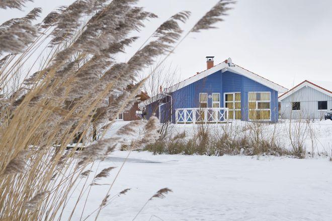 Der Winter ist an der Küste eine besonders reizvolle Reisesaison: Jetzt geht es in den beliebten Ferienorten wie etwa dem Nordseebad Otterndorf familiär und gemütlich zu. Foto: djd/www.otterndorf.de