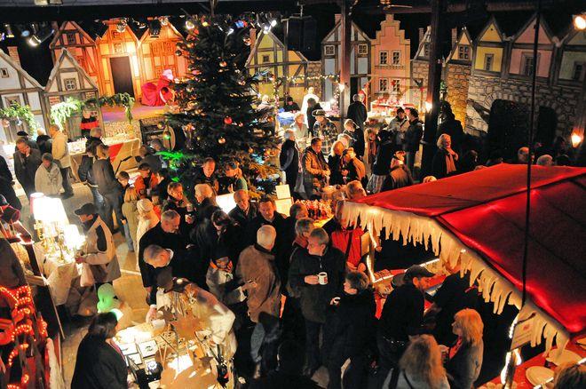 Impressionen vom Weihnachtsmarkt in der Music Hall Worpswede. Foto: djd/Touristikagentur Teufelsmoor-Worpswede-Unterweser e.V.