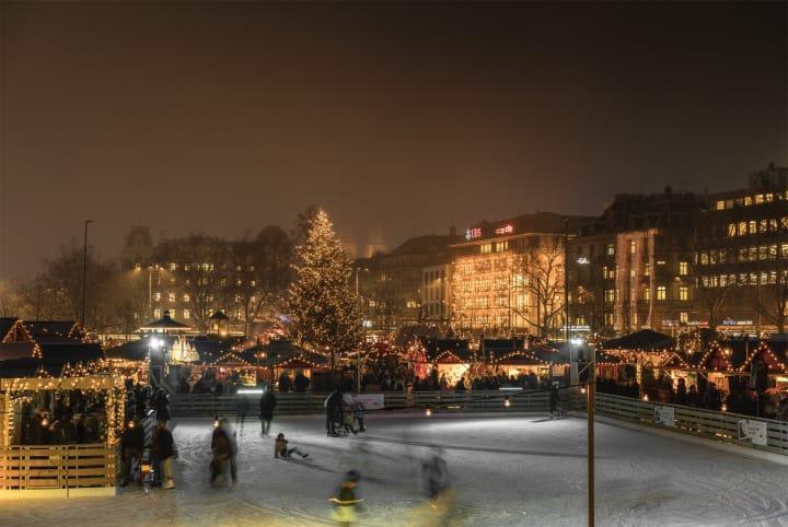 Das Wienachtsdorf in Zürich. Bild: Ivo Scholz / Schweiz Tourismus