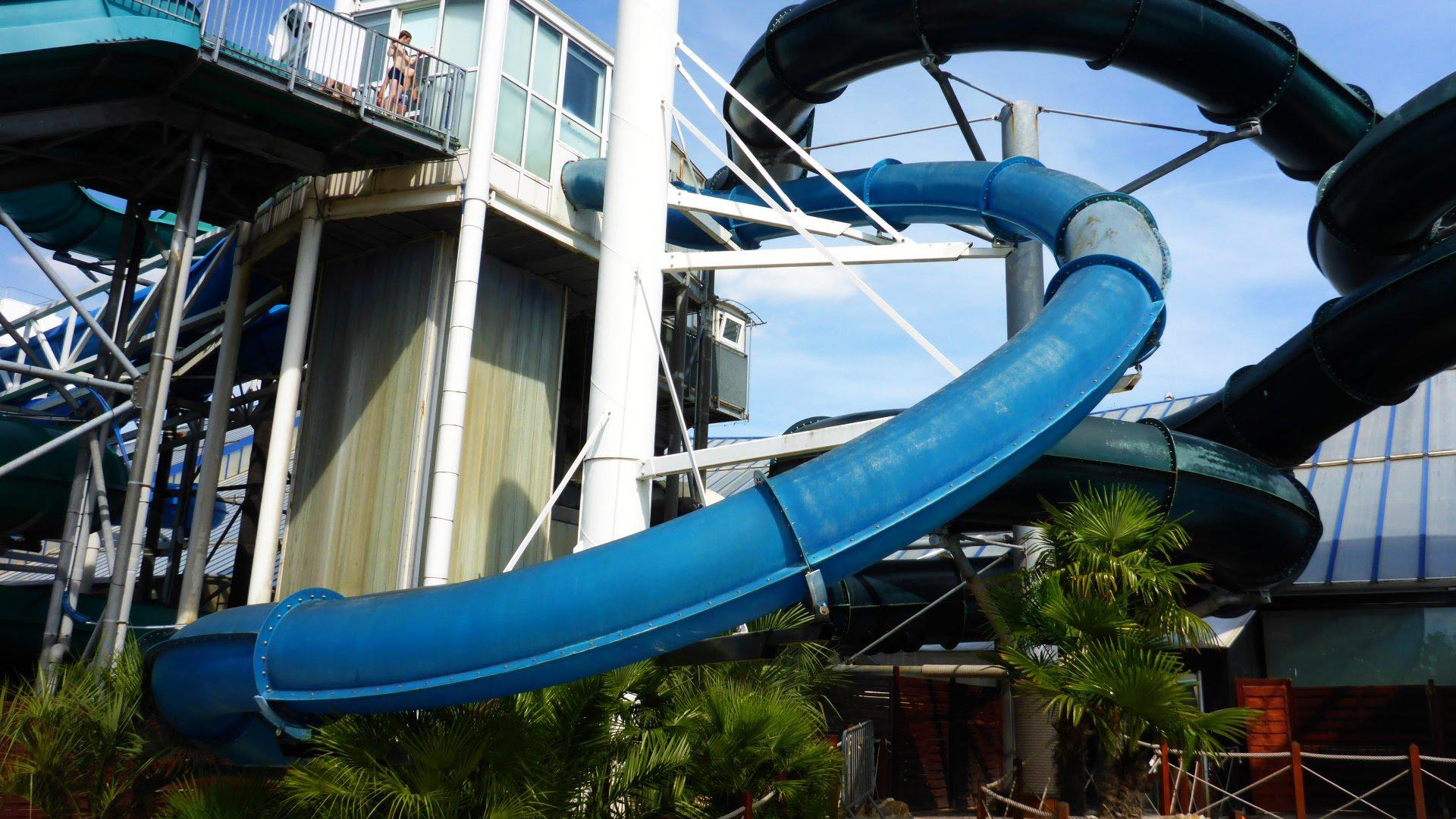 Aqualooping Turborutsche - Speed Slide | Aquaboulevard Paris