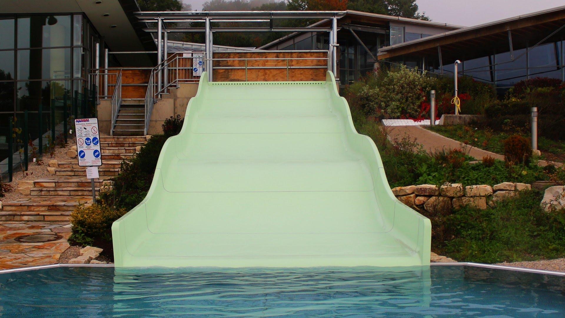 Outdoor-Breitrutsche :: Wave Slide | Therme Obernsees Mistelgau