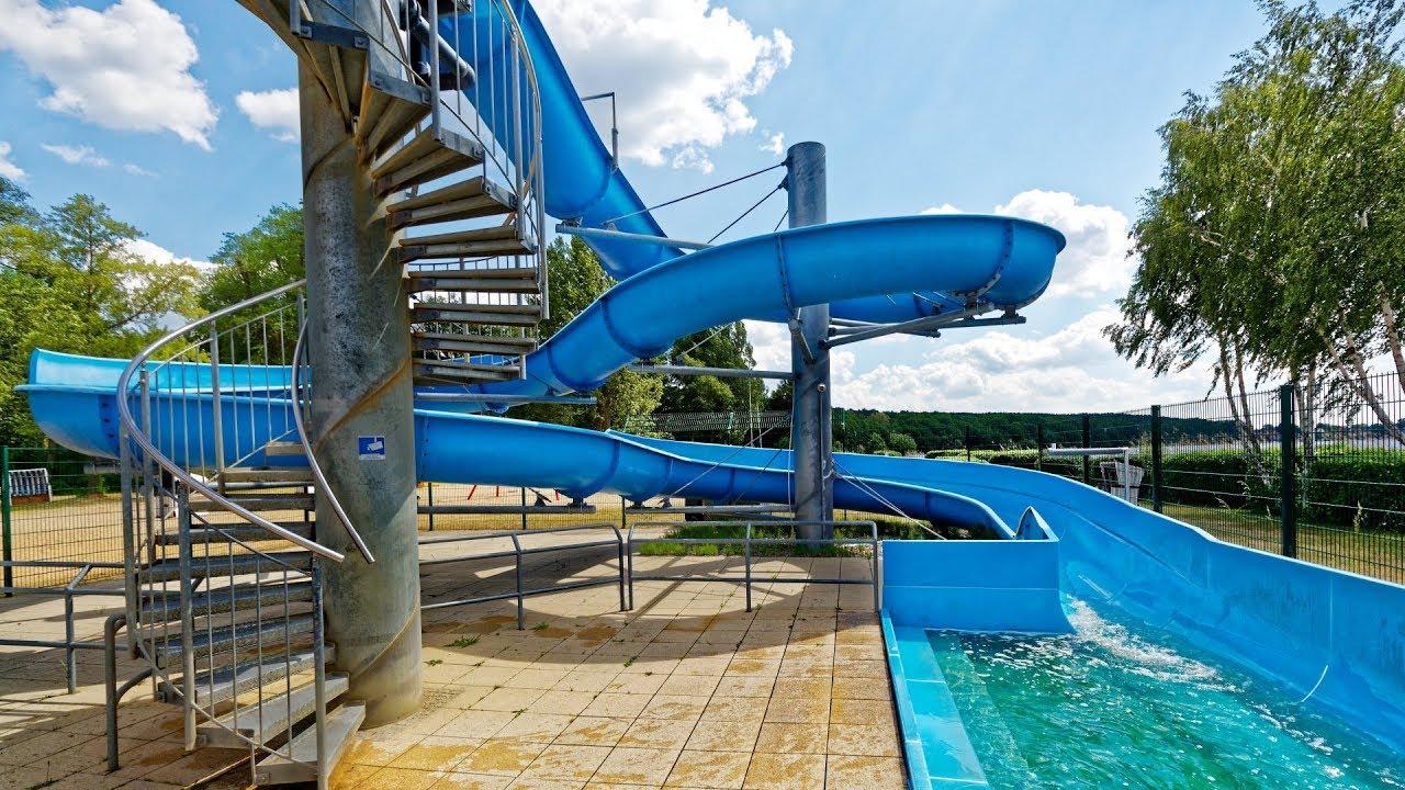 offene Riesenrutsche :: Wasserrutsche am See   Waldbad Templin Potsdam