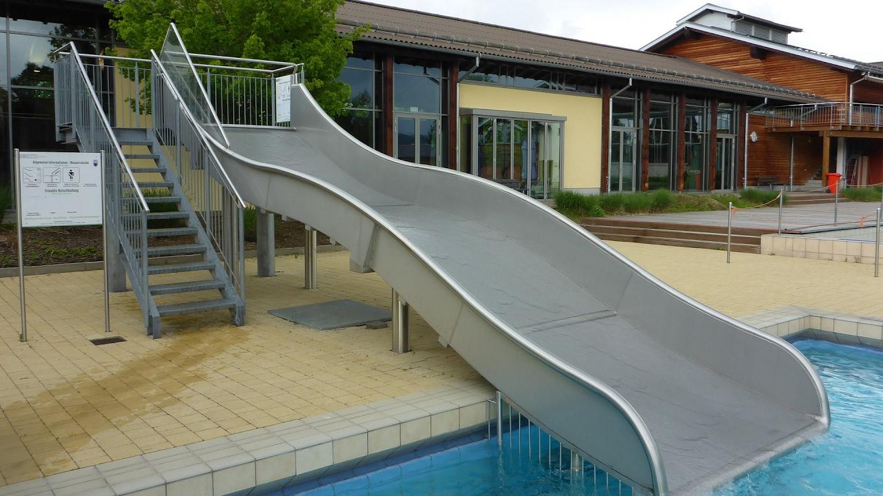 Freibad-Breitrutsche :: Wellenrutsche   Aqacur Bad Kötzting