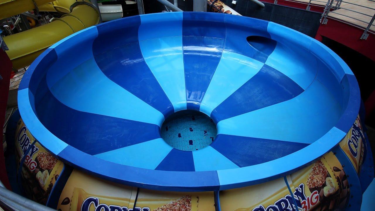 Space Bowl :: Trichterrutsche   Aquapalace Prag